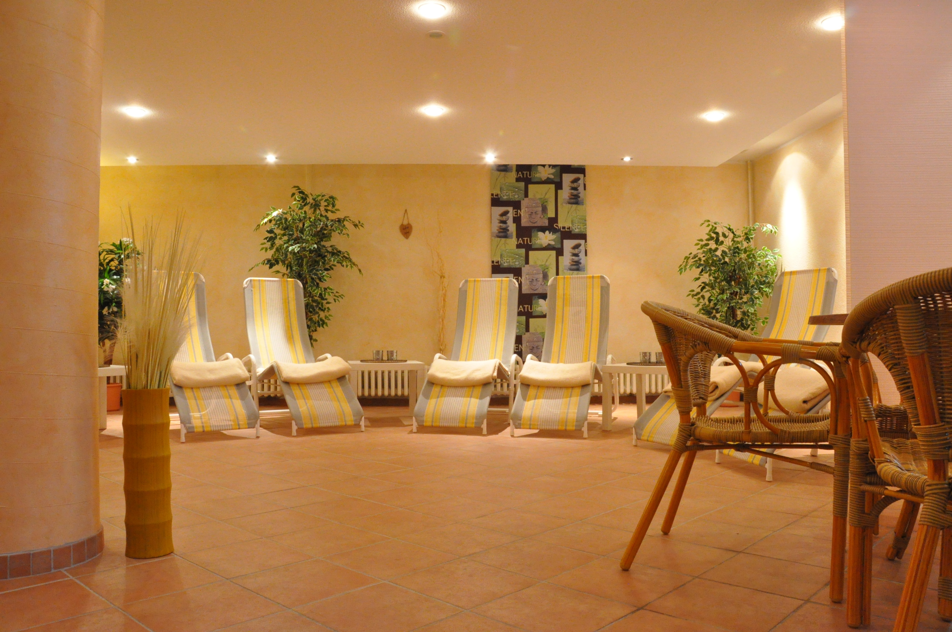 sauna relax hotel bavaria oldenburg. Black Bedroom Furniture Sets. Home Design Ideas