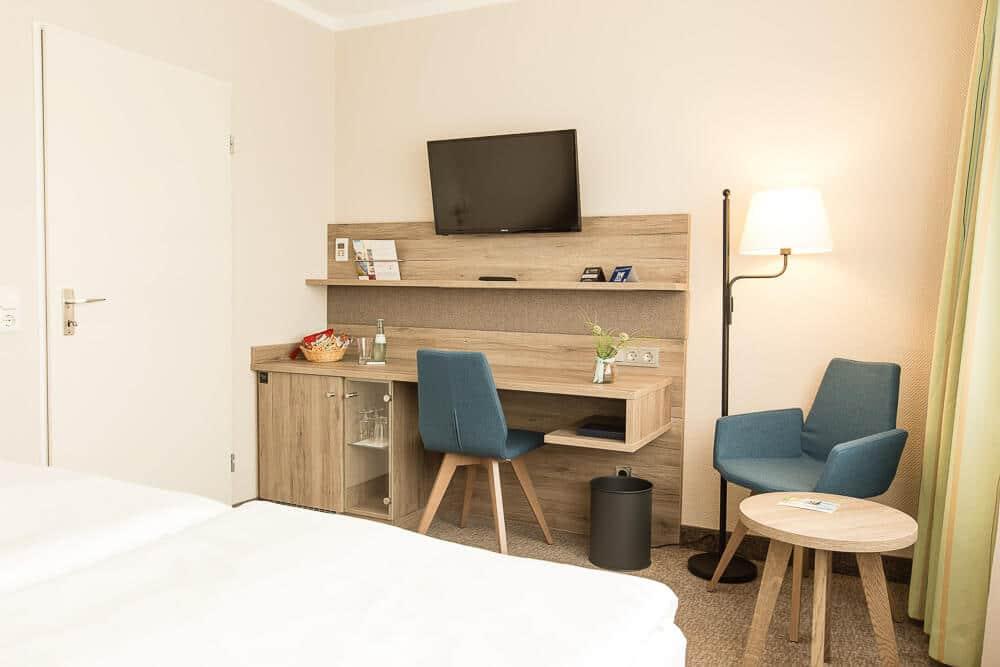 Premium-Zimmer, Schreibtisch, Hotel Bavaria Oldenburg
